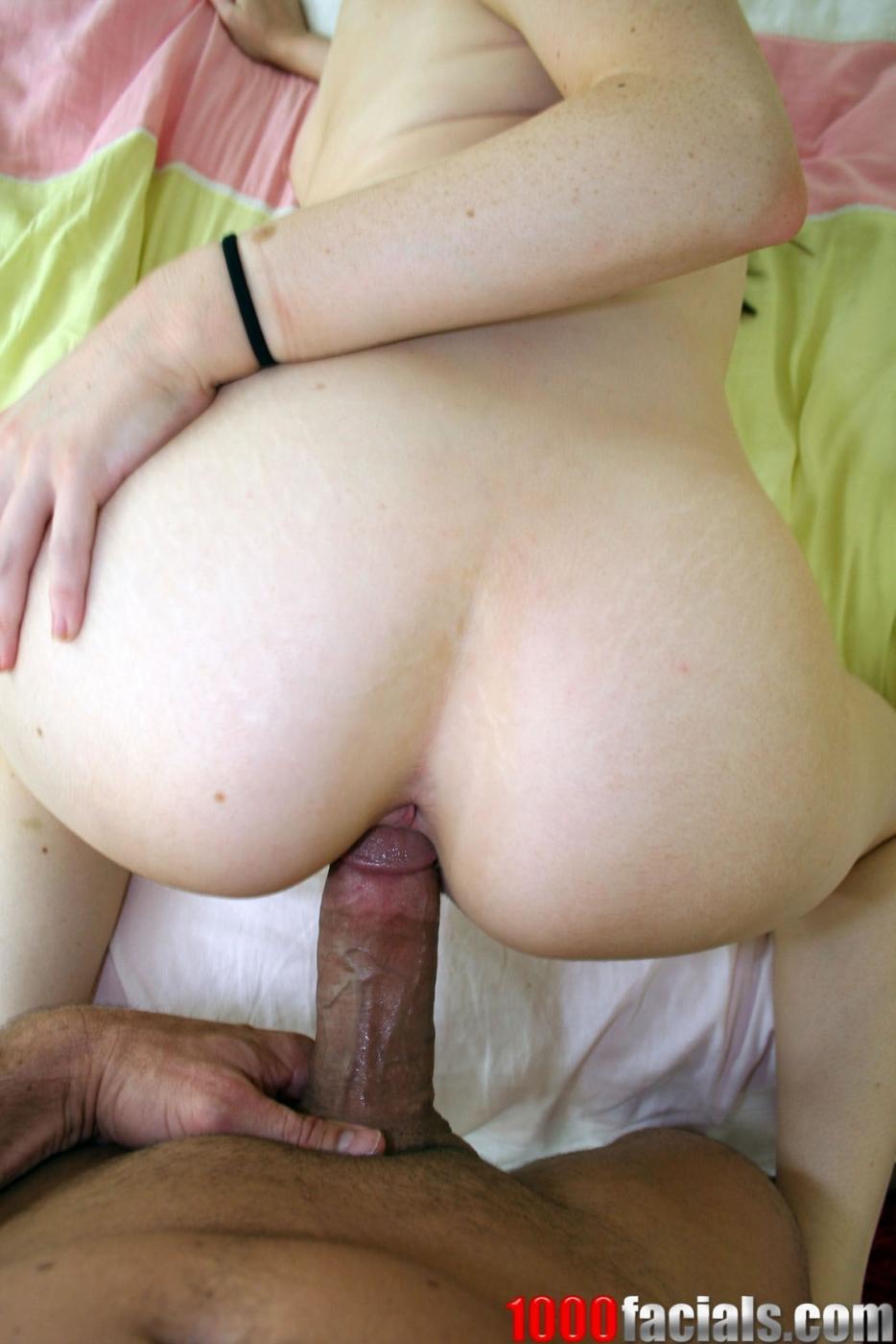 Голубоглазая блондинка Haley Scott получает кончу после секса по-собачьи