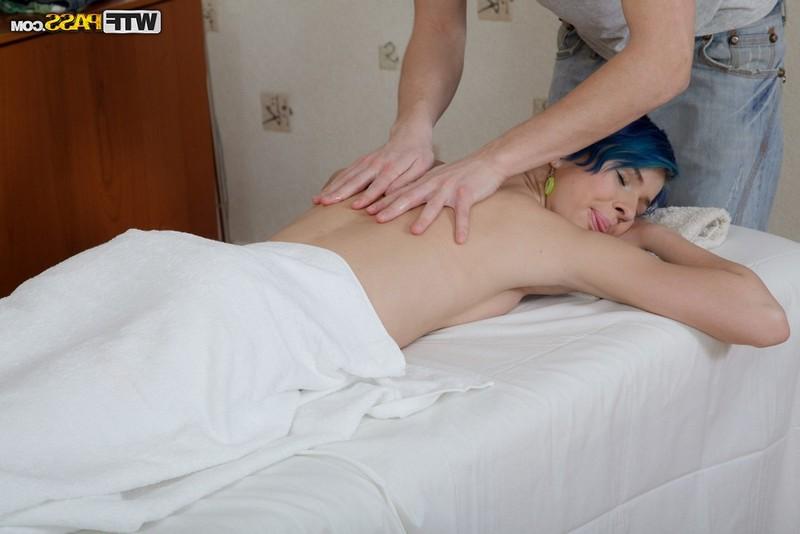 Ню массаж для Совершеннолетней милахи