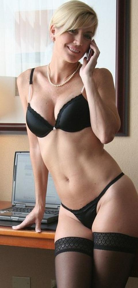 Перевозбужденные самки никому не откажут порно фото
