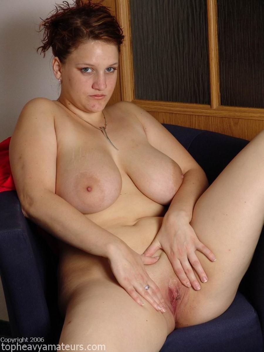 Голая Яна с массивной грудью