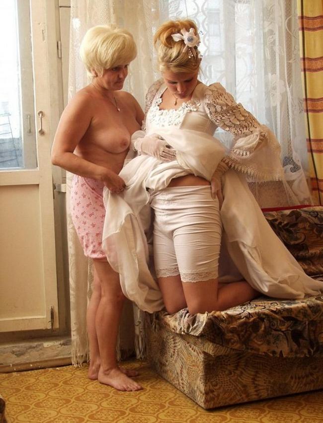 Мамки и дочери демонстрируют свои щелки ххх фото