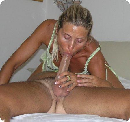Мамаши в эротическом белье ебутся и раздвигают писи