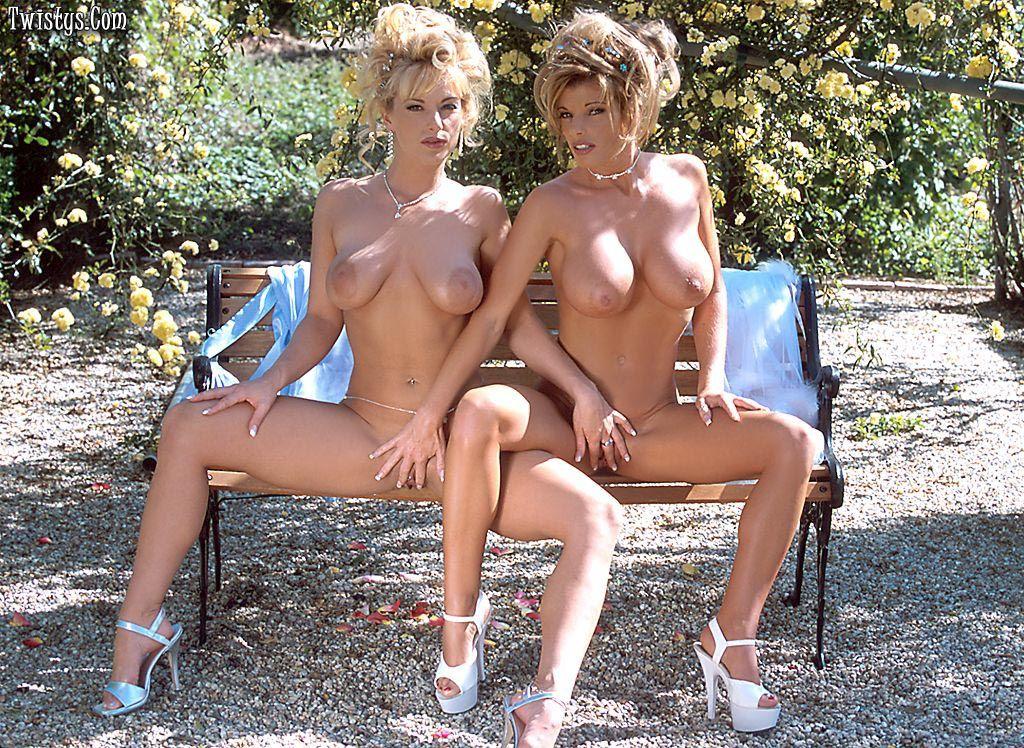 Adajja и Shayla занимаются лесбийским перепихоном