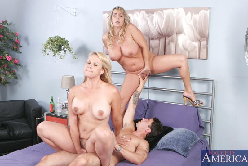 Групповой секс с Wanda Lust и Summer нужно увидеть, чтобы поверить