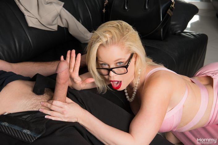 Дал на зуб свой твердый болт приятной стервуле Nikki delano с сочной жопой порно фото