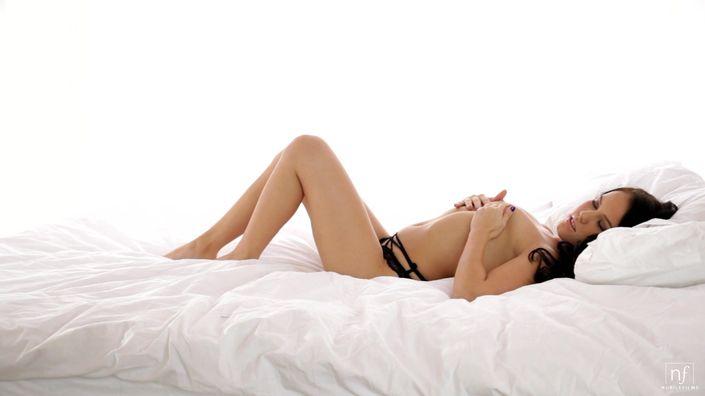 Кончил на титьки секс фото порева порева секса смотреть онлайн бесплатно