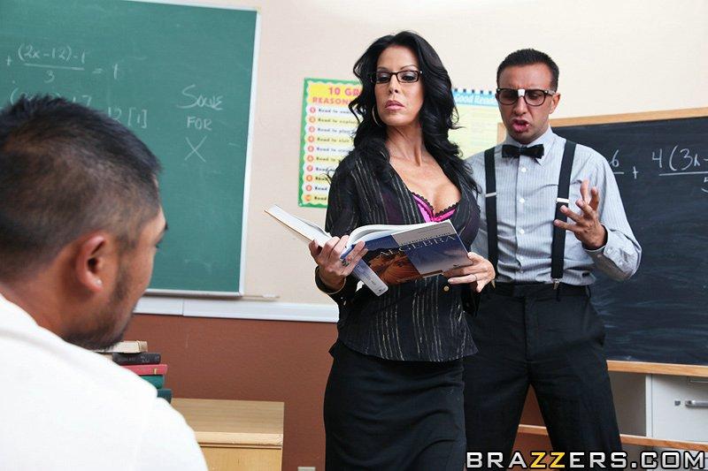 Смуглая учительница с круглыми грудями в чёрных носках - Tabitha Stevens, жестоко поеблась