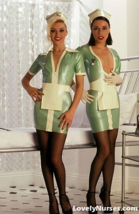 Прекрасные лесби медсестры сильно возбуждены